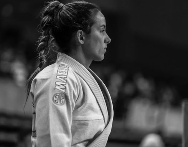 Angelica Galvao competing